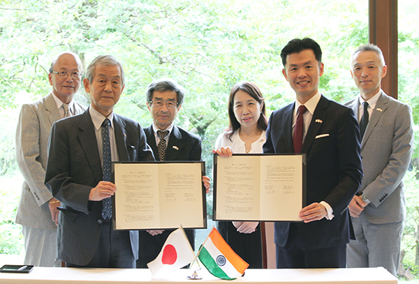 Photo: Partnership with Japan-India Association